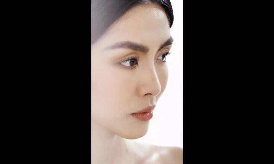Hậu trường Tăng Thanh Hà chụp hình cho Đỗ Mạnh Cường