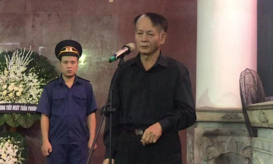 Gia đình, bạn bè tiễn đưa nghệ sĩ Tuấn Phương
