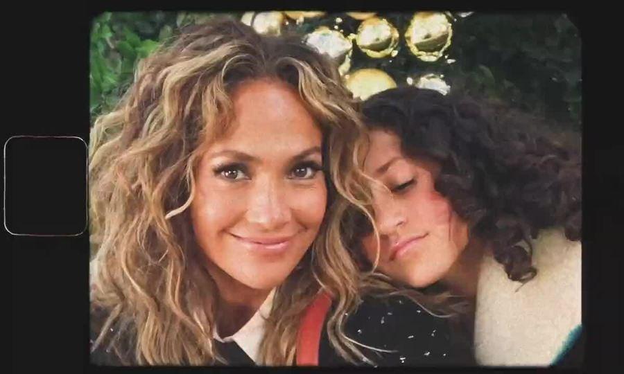 Jennifer Lopez quảng cáo cho Coach mùa Giáng Sinh