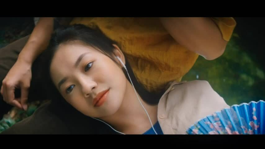 Trích MV 'Nàng thơ' của Hoàng Dũng