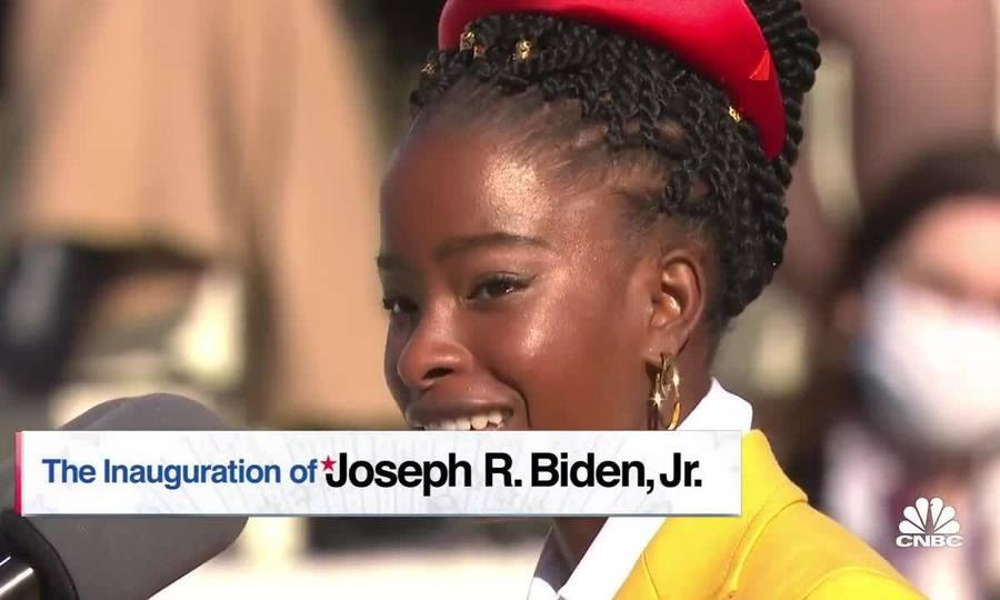 Amanda Gorman ngâm thơ trong lễ nhậm chức của Joe Biden