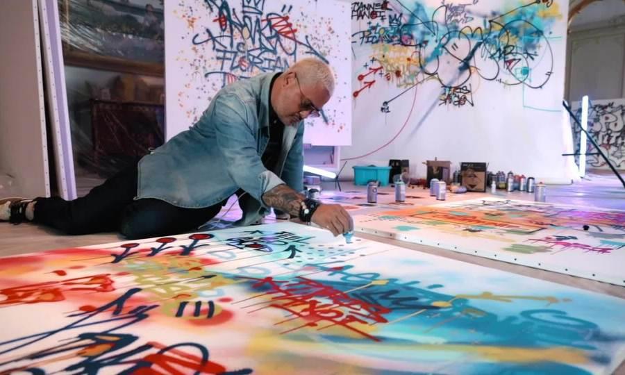 Kongo vẽ tranh ở biệt thự danh họa Pablo Picasso