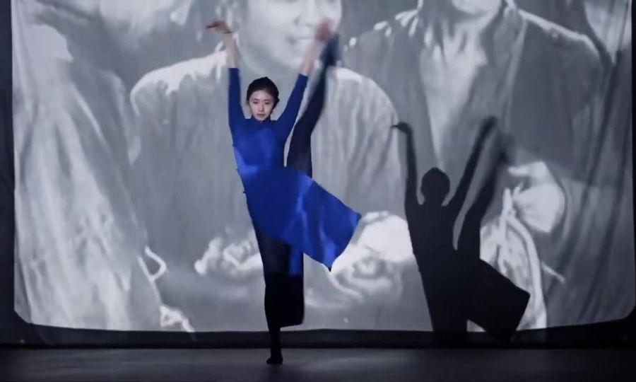 Lưu Hạo Tồn nhảy và hát One Second