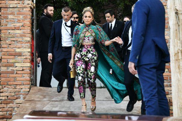 Jennifer Lopez dự show Dolce & Gabbana