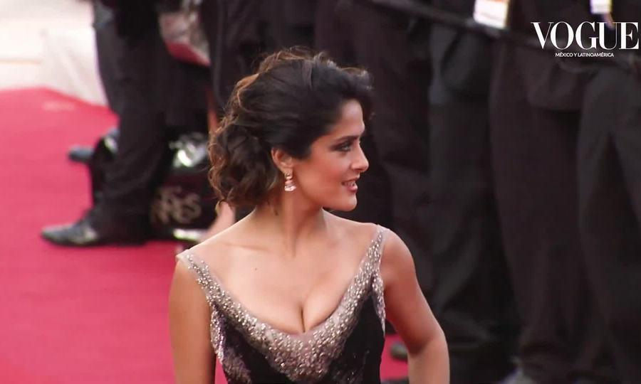 Thời trang thảm đỏ của Salma Hayek ở Cannes