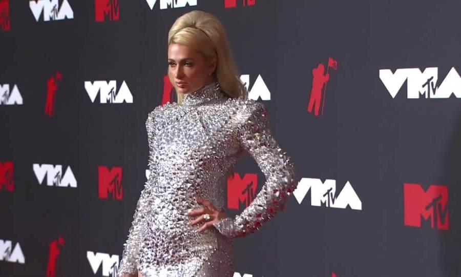 Paris Hilton ở VMAs 2021