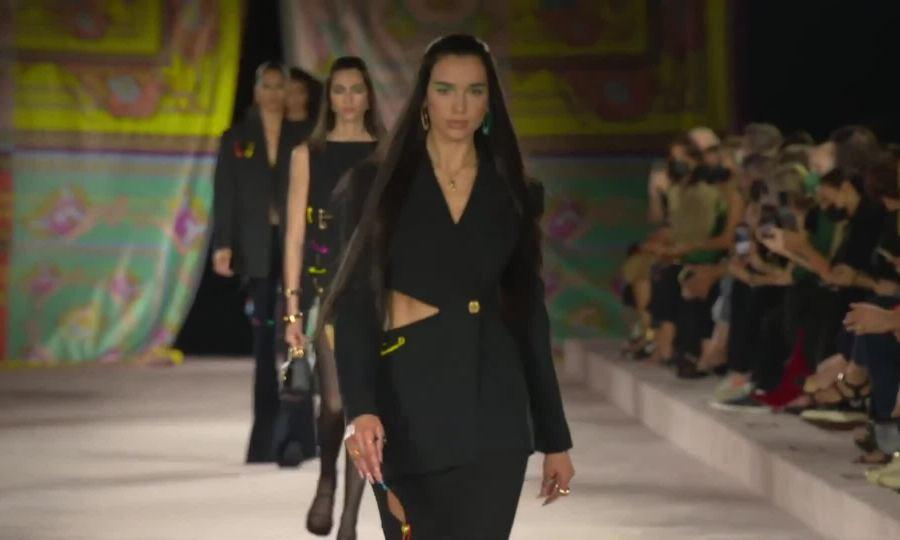 Versace Xuân Hè 2022
