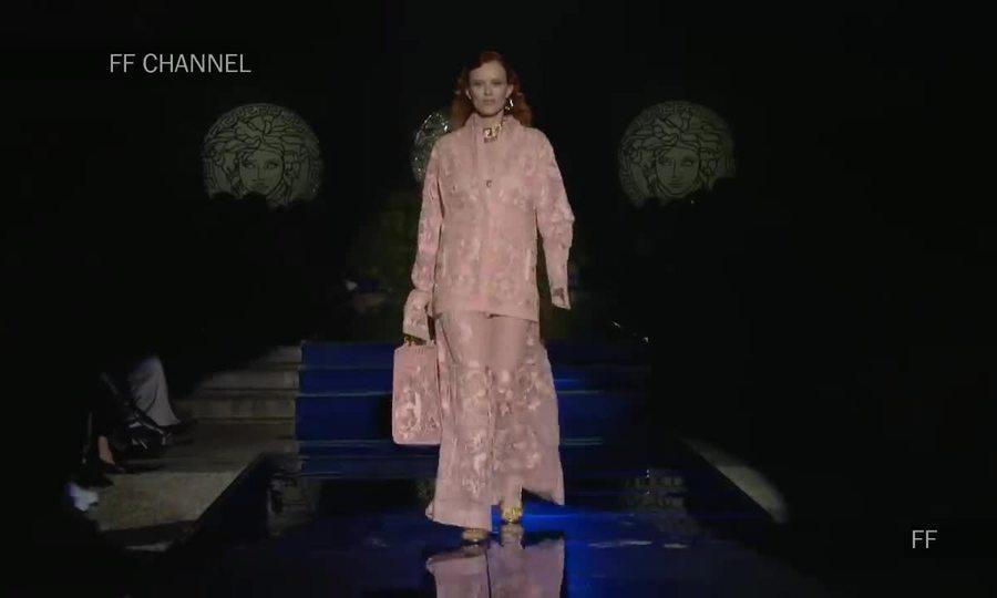 Show 'Fendace' của Versace và Fendi