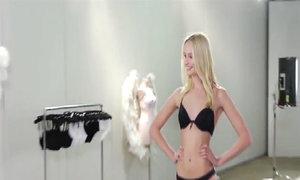 Hậu trường casting người mẫu siêu kỹ càng của Victoria's Secret
