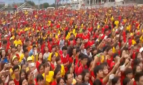 1.500 fan hòa giọng cùng Sơn Tùng