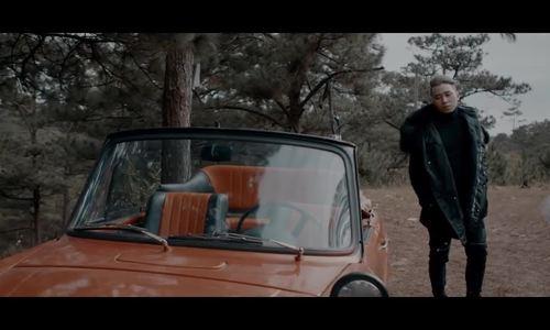MV 'Người lạ ơi' - Karrik ft Châu Đăng Khoa