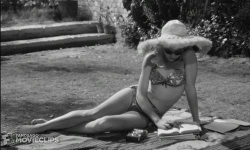Phân cảnh nàng thơ 14 tuổi Sue Lyon xuất hiện trong phim 'Lolita' (1962)