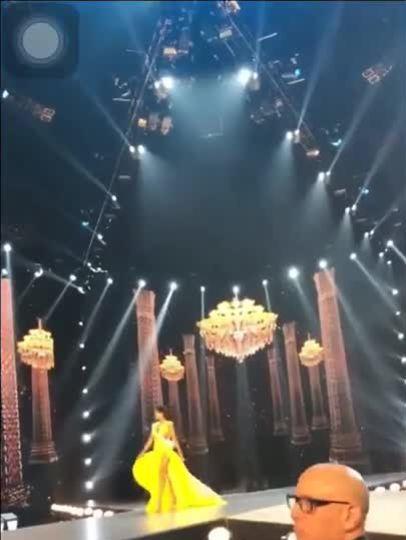 H'Hen Niê catwalk bán kết Miss Universe 2018