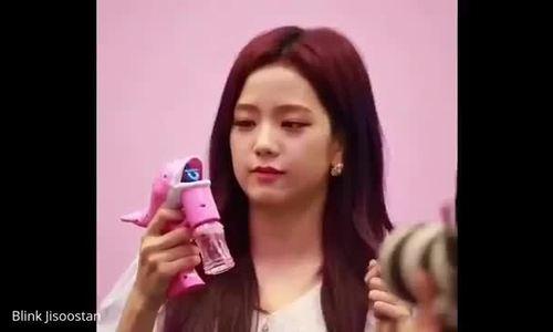 Hành trình nhan sắc 'chưa bao giờ biết xấu' của Ji Soo (Black Pink)
