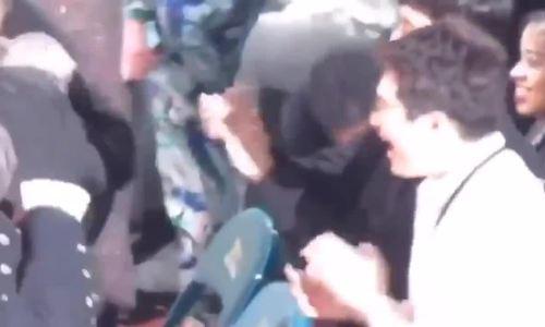 Hình ảnh anh quản lý 'đồng cam cộng khổ' suốt 6 năm cùng BTS khiến fan rơi nước mắt