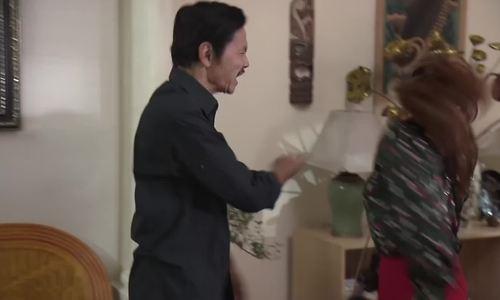 Bảo Thanh bị ông Sơn tát trong Về nhà đi con