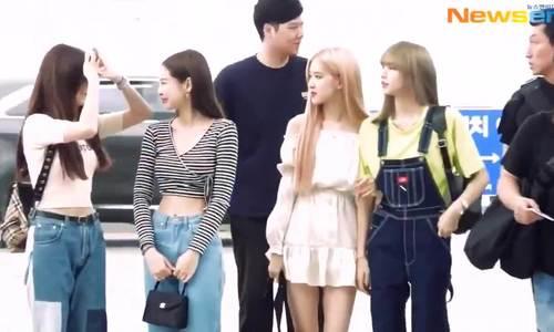Jennie khoe eo thon, 'tình tứ' cùng Ji Soo tại sân bay