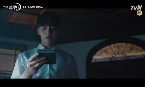 Diễn xuất gây sửng sốt của IU trong 'Hotel Del Luna'