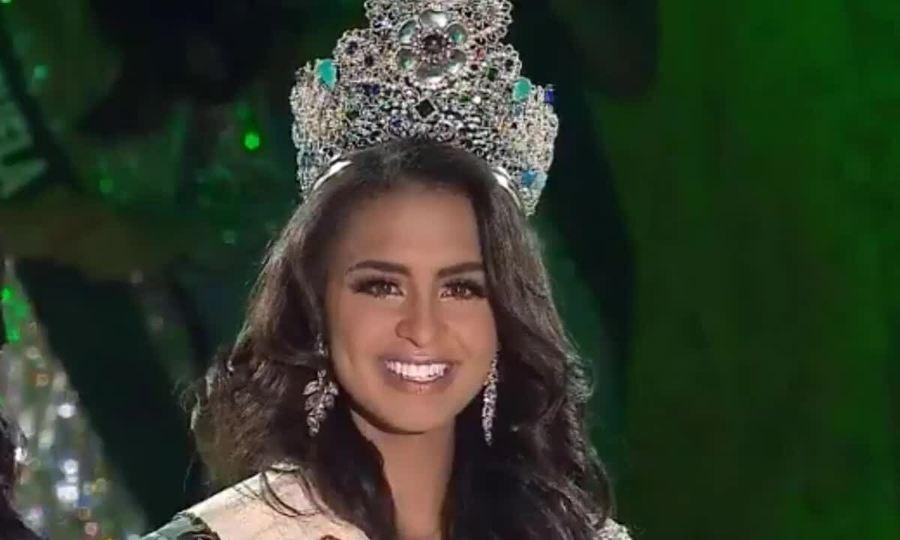 Khoảnh khắc đăng quang của Miss Earth 2019