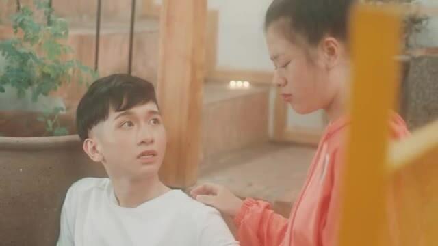 MV 'Yêu nhầm bạn thân' - Đỗ Hoàng Dương