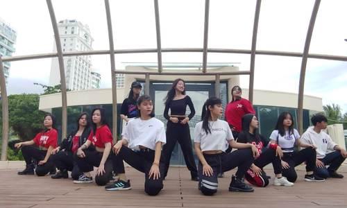 Y.O.L.O Team | Mashup TTS