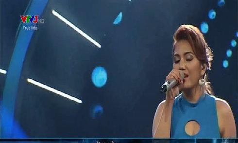 Janice Phương hát 'Đừng yêu'