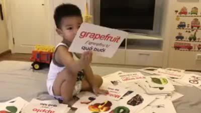 Bố dạy con 3 tuổi nói tiếng Anh tại nhà