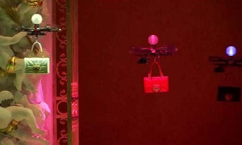 Dolce & Gabbana dùng máy bay điều khiển từ xa để giới thiệu BST túi xách