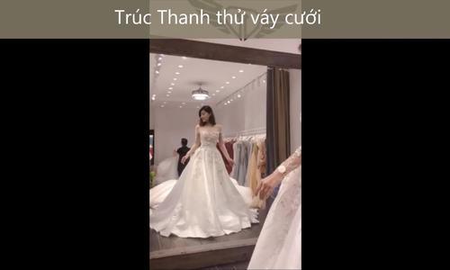 Váy cưới của vợ diễn viên Xuân Phúc