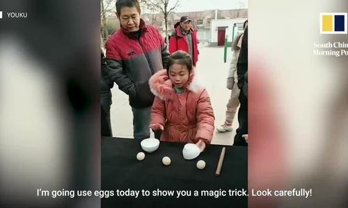 Bé gái 7 tuổi biểu diễn ảo thuật hút 1,5 triệu người theo dõi