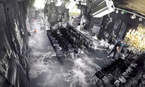 Sàn diễn ma mị của Dior mất 3 tuần để hoàn thành