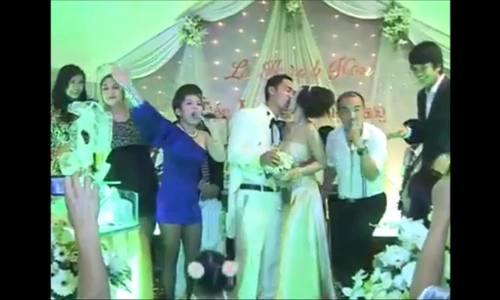 Những khoảnh khắc trong đám cưới Thu Trang - Tiến Luật