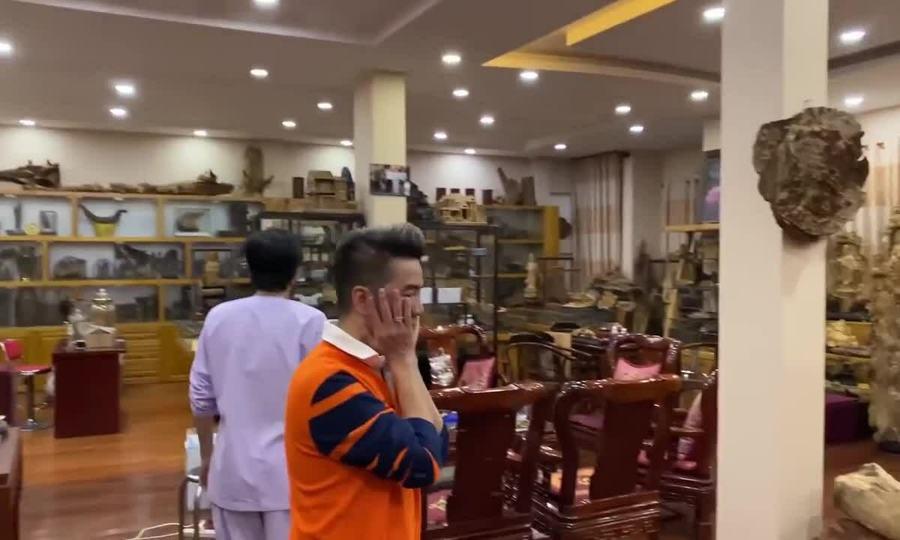 Căn phòng chứa trầm hương bạc tỷ của Hoài Linh