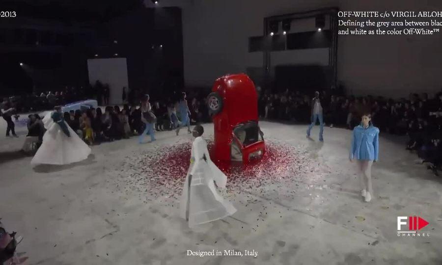 Ba mẹ con Gigi Hadid 'thống lĩnh' show Off-White