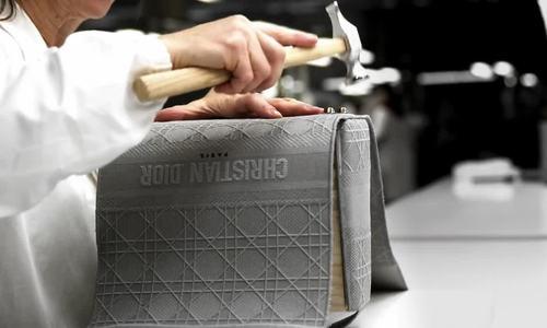 Quy trình công phu tạo nên túi Dior Lady D-Lite