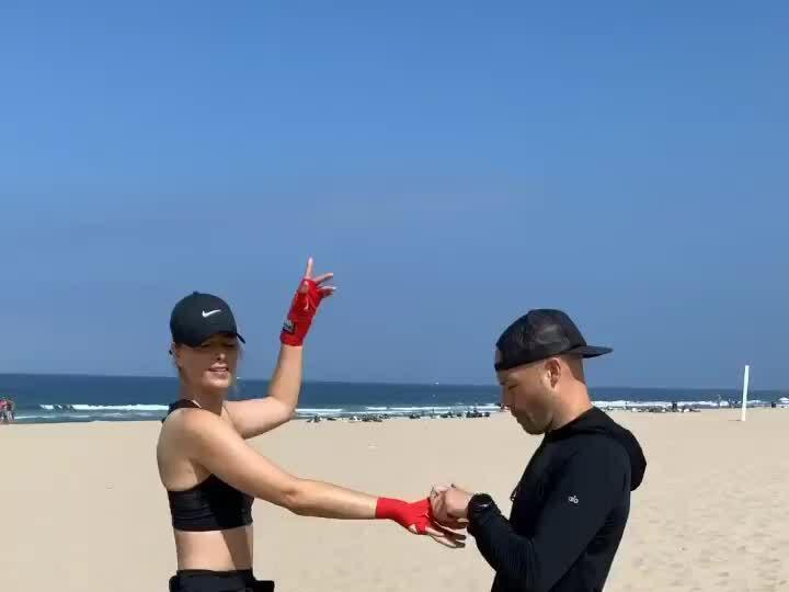 Chia tay tennis, Sharapova chăm tập boxing, pilates giữ dáng