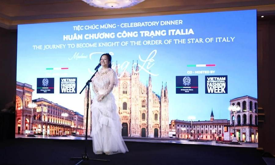 Hồng Nhung song ca với Trang Lê