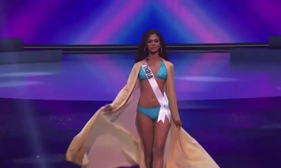 Màn trình diễn của Hoa hậu Hoàn vũ Ấn Độ trong đêm bán kết