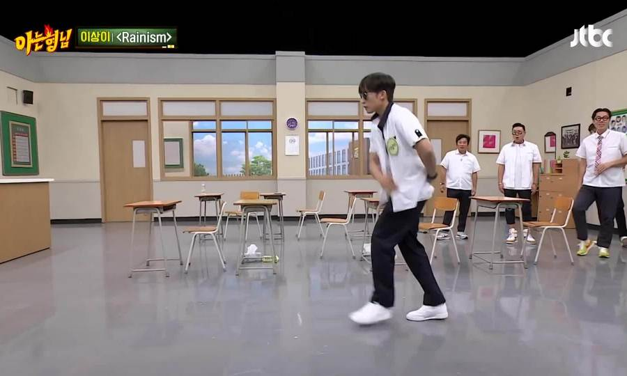 """Lee Sang Yi cover lại điệu nhảy trong ca khúc """"Rainism"""" của Rain"""