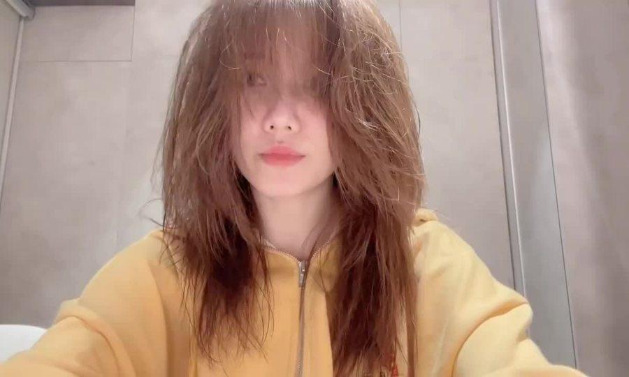 Sao Việt 'mở salo' cắt tóc tại nhà