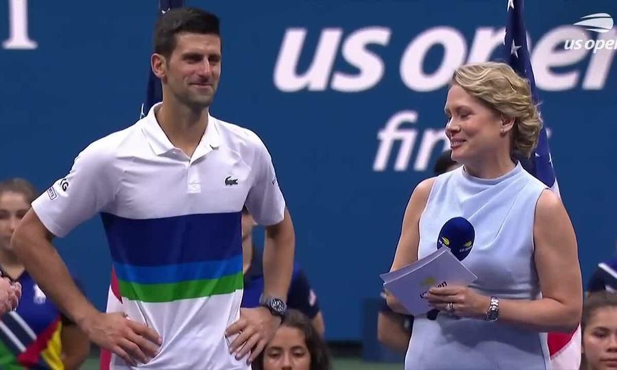 Djokovic xúc động sau trên bục trao giải