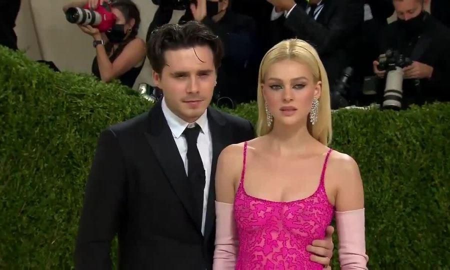Brooklyn và Nicola Peltz tại Met Gala