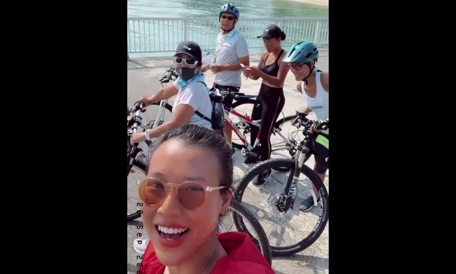 Đoan Trang, Hoàng Oanh đạp xe 31 km