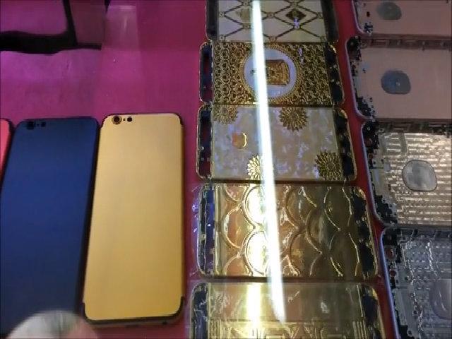 Vỏ iPhone bán ở chợ trời