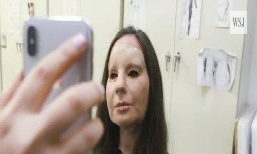 Đắp mặt nạ thử Face ID iPhone X