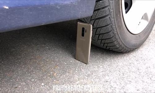 Ô tô cán Galaxy S9