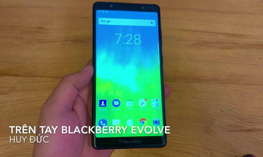 Trên tay BlackBerry Evolve