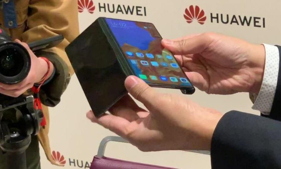Mate X - smartphone Huawei màn hình gập đối đầu Samsung