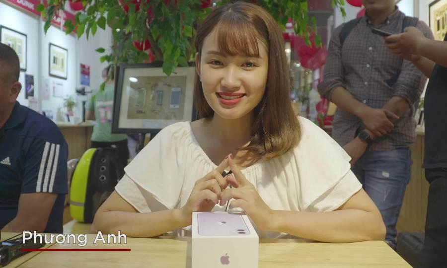 Mở hộp iPhone 11 mới về Việt Nam