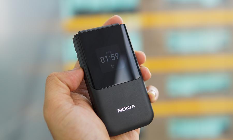 Đánh giá Nokia 2720 Flip
